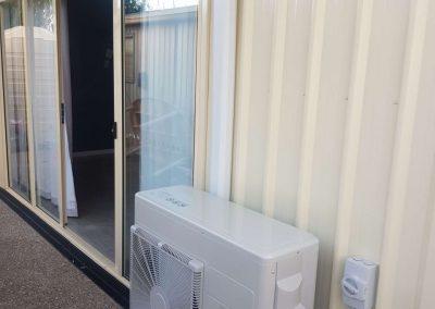 7Kw Hitachi Inverter Hi-wall outdoor unit Residential installation Christies beach
