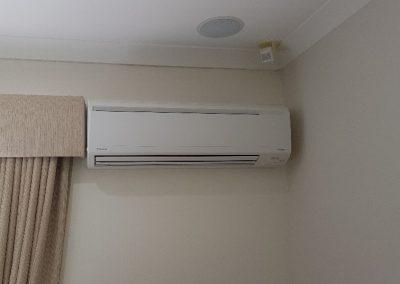 Daikin 7KW hi-wall AC installation for a residential indoor unit in Flagstaff Hill_n