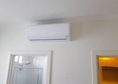 Hitachi 2.5Kw hi-wall split system Bedroom application Dulwich