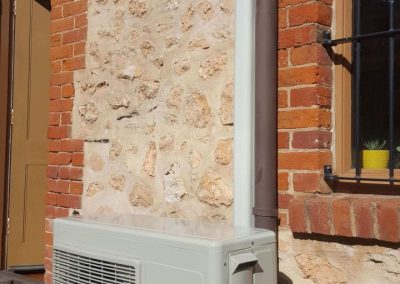 Hitachi 5Kw Hi-wall split system Heritage listed installation residential Adelaide