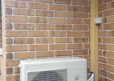 Hitachi 5Kw Hi-wall split system installation residential Reyenlla