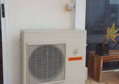 Hitachi 5Kw Hi-wall split system installation with special metal colour bond capping Marino residential