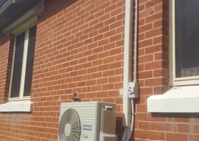 Hitachi 8Kw Residential ducted installation Kensington Gardens outdoor unit Wall brackets