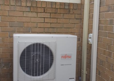Residential ducted change Over 16kw Fujitsu Golden Grove