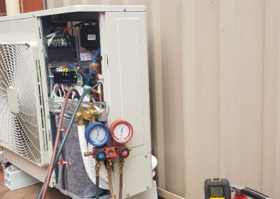 This North Adelaide client had a two-storey house for which we installed a Daikin 7.1 Kw Changeover in house
